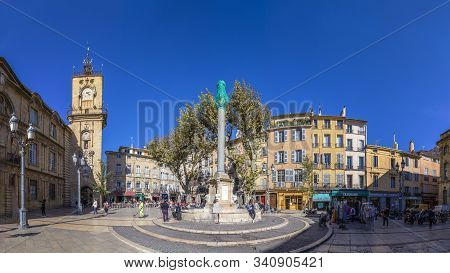 Aix En Provence, France - Oct 19, 2016: People Visit The Central Market Place With The Famous Hotel