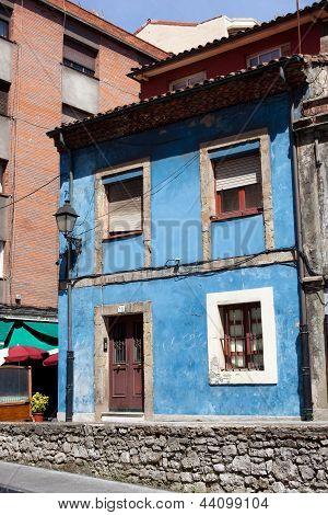 Old Blue House, Gijon