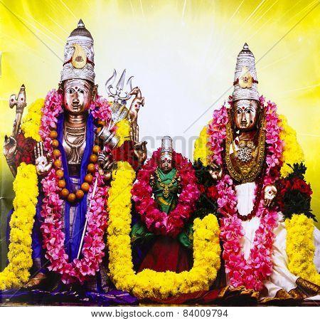 Statue of Lord Shiva, Goddess Parvati and devotee Hemareddy Mallamma in center at Srisailam, India