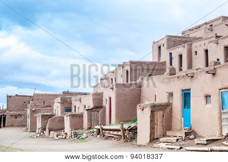 Taos Pueblo - remarkable example of a traditional type of architectural ensemble from the pre-Hispan