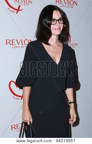 LOS ANGELES - JUN 3:  Courteney Cox at the Halle Berry And Revlon Celebrate Achievements In Cancer Research at the Four Seasons Hotel on June 3, 2015 in Los Angeles, CA