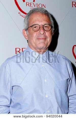 LOS ANGELES - JUN 3:  Ron Meyers at the Halle Berry And Revlon Celebrate Achievements In Cancer Research at the Four Seasons Hotel on June 3, 2015 in Los Angeles, CA