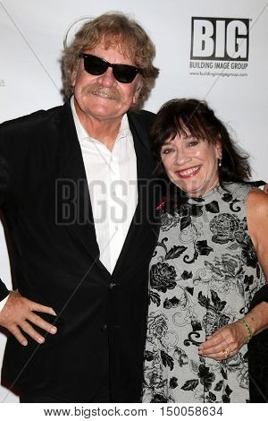 LOS ANGELES - SEP 30:  Tommy Dunn, Beverely Dunn at the catalina Film Festival - Friday at the Casino on September 30, 2016 in Avalon, catalina Island, CA