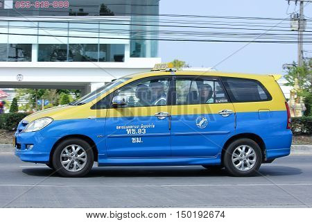 CHIANGMAI, THAILAND -FEBRUARY 29 2016: City taxi Meter chiangmai, Toyota Innova, Service in city. Photo at road no.1001 about 8 km from downtown Chiangmai, thailand.