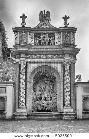 Courtyard Of The Fountain Of The Owl, Villa D'este, Italy