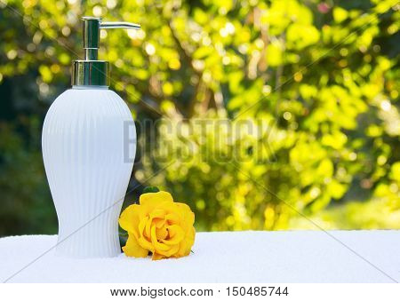 bed, table, soft, natural, rose, green, white, liquid, bathroom, flower, organic, wellness, pump, yellow, dispenser, towel, clean, shampoo, service, cosmetic, treatment, fluffy, lotion, object, bottle, therapy, soap, lifestyle, healthy, care, bath, cotton