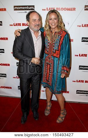 LOS ANGELES - OCT 3:  Kevin Pollak, Maria Bello at the