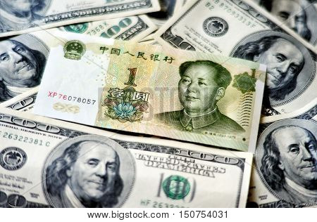 Chinese  And American Money
