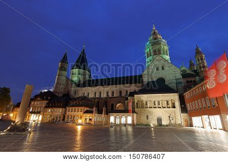 The Mainz Cathedral Kaiserdom High St. Martin's Cathedral