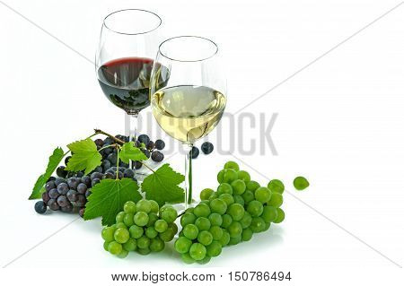 wine from grapes,  wine glass and bunch of grapes with alcohol  white background