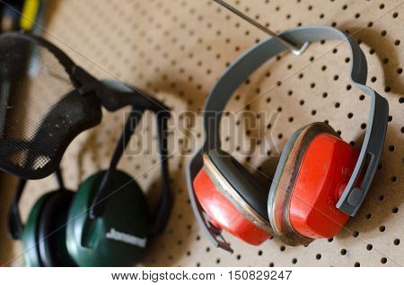 Working-tools-workshop-protective-headphones