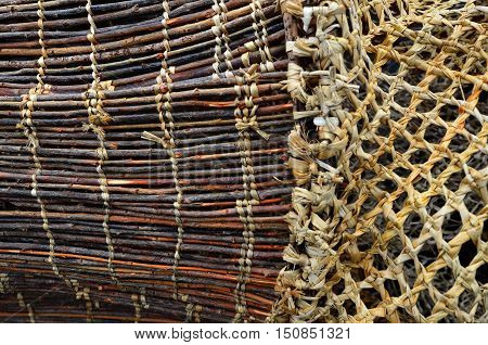 Maori Wooden Fishing Net Details