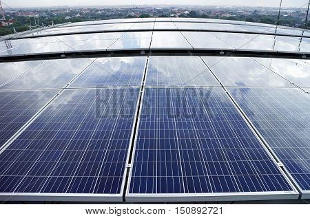 Solar PV Rooftop on curve roof Cloud Reflect