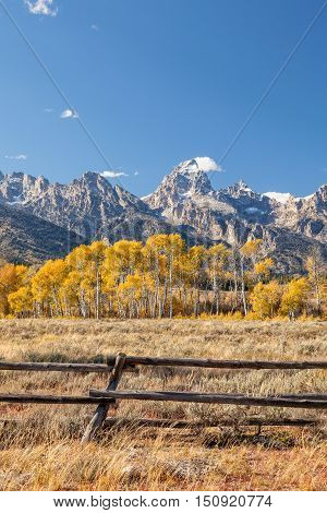 the scenic landscape of the tetons in Wyoming in fall