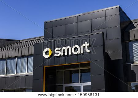 Indianapolis - Circa October 2016: Smart Automobile Dealership. Smart Is A Division Of Daimler Ag Ii