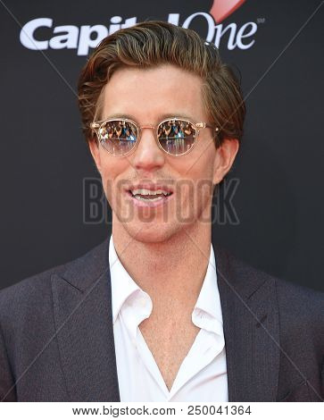 LOS ANGELES - JUL 18:  Shaun White arrives to the 2018 ESPY Awards  on July 18, 2018 in Hollywood, CA