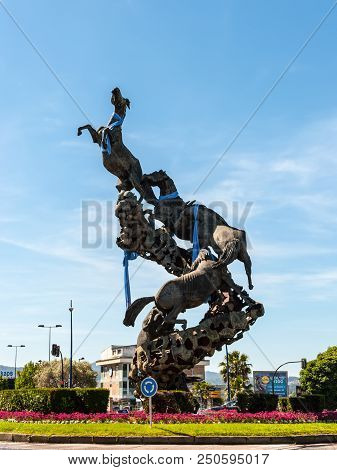 Vigo, Spain - May 20, 2017: Horse Sculpture In Spain Square (plaza De Espana) Of Vigo City, Galicia,