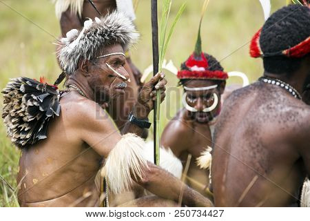 Baliem Valley, West Papua/indonesia - August 9, 2016: Dani Tribesmen At The Annual Baliem Valley Fes
