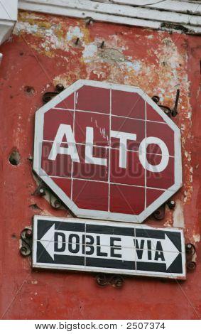 Spanish Stop Sign