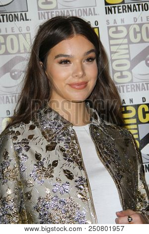 SAN DIEGO - July 20:  Hailee Steinfeld at the