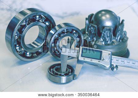 Diameter Measurement With Calipers, Measurement Of Diameter Of The Bearing