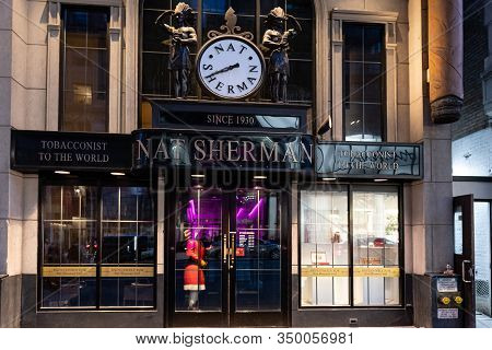 New York, Usa - June 22, 2019: Entrance To Nat Sherman Townhouse - Historical Handmade Cigars And Lu
