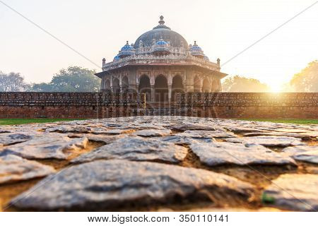 Isa Khans Tomb In The Morning Sun, Humayuns Tomb Complex, New Delhi, India