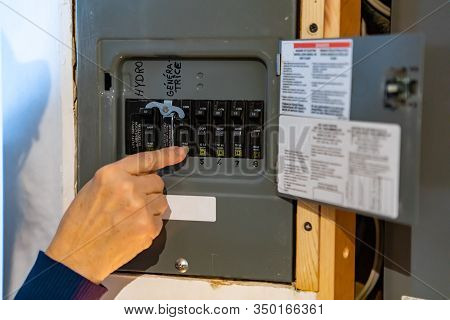 Canadian House Distribution Board, Circuit Breaker Panel With Interchangeable Circuit Breakers. Woma