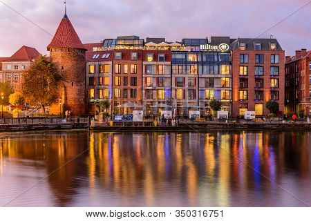 Gdansk, Poland - October 6, 2019: Sightseeing Of Poland. Cityscape Of Gdansk With Beautiful Reflecti