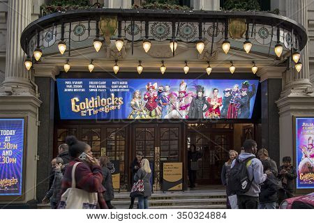 London, Uk - 20, December, The Palladium Theatre Currently Showing Goldilocks And The Three Bears