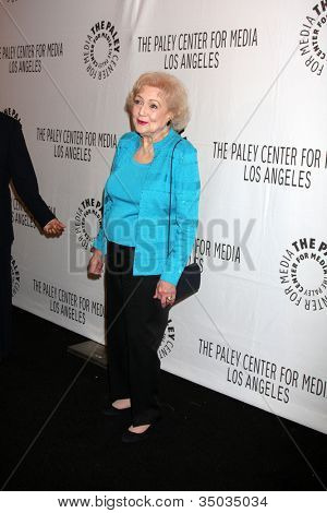 """LOS ANGELES - MAR 8:  Betty White arriving at the """"Hot in Cleveland"""" PaleyFest 2011 Event at Saban Theatre on March 8, 2011 in Beverly Hills, CA"""