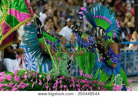 Rio, Brazil - March 04, 2019: Mangueira During The Carnival Samba School Carnival Rj 2019, At Sambod
