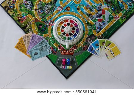 Orlando, Fl/usa-2/12/20:  Game Of Life By Hasbro With All Of The Game Pieces On The Board.  Concept