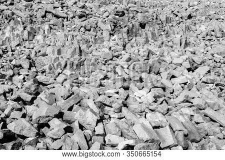View Of Rock Formations In The Carpentry Site, Part Of Makhtesh (crater) Ramon, In The Negev Desert,