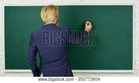 Announcement Of Free Courses. Advertisement Concept. Take Placement Test. Teacher Wanted. Teachers E