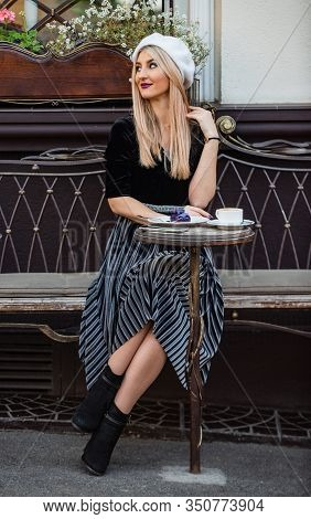 Exquisite Details Make Outfit Perfect. Perfect Outfit For Meeting At Cafe. Pretty Girl Relax Street