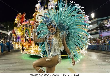 Rio, Brazil - March 03, 2019: Vila Isabel During The Carnival Samba School Carnival Rj 2019, At Samb