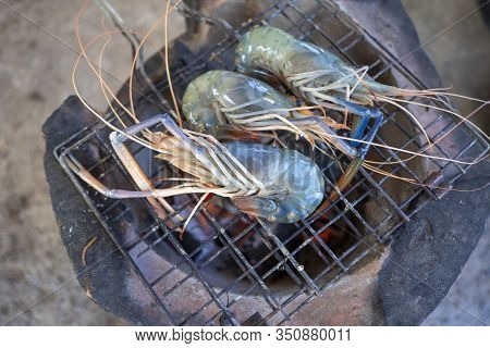 Grilled Shrimp , Thai Food Is Delicious And Spicy