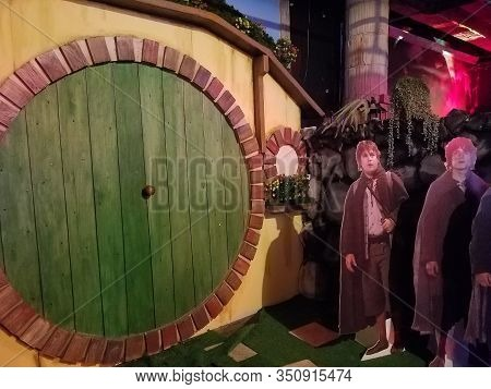 Chicago, Il February 9, 2020, Replay Lincoln Park Bar And Arcade, The Lord Of The Rings Round Hobbit