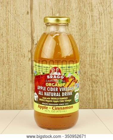 Spencer, Wisconsin, U.s.a. , February, 15, 2020, Bottle Of Bragg Apple Cider Vinegar   Bragg Was Fou