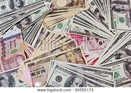 Internation Currencies Portary The World Financial Issue On Quantitative Easing.