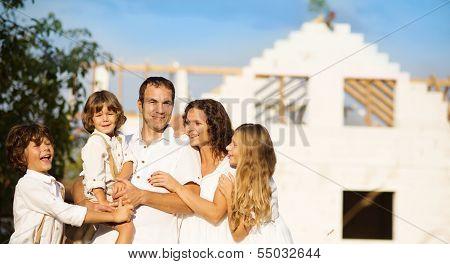 Construcción de una nueva casa de familia