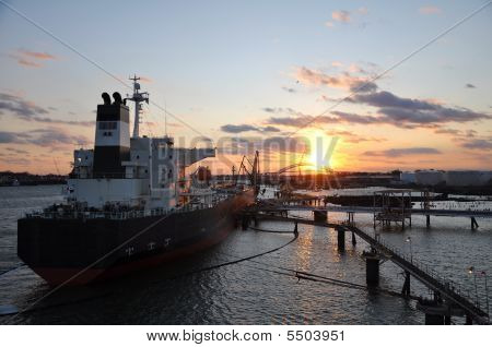 Ship's Loading