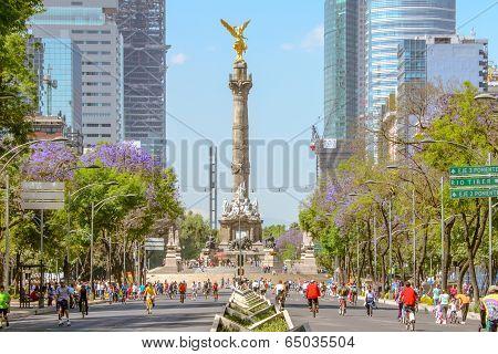 Sunday´s Bikers In Paseo De La Reforma, Mexico