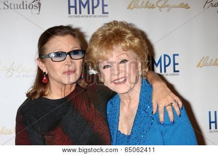 LOS ANGELES - MAY 14:  Carrie Fisher, Debbie Reynolds at at the