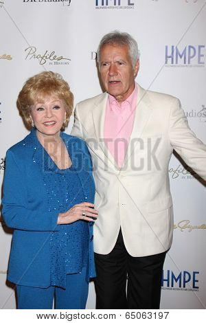 LOS ANGELES - MAY 14:  Debbie Reynolds, Alex Trebek at the