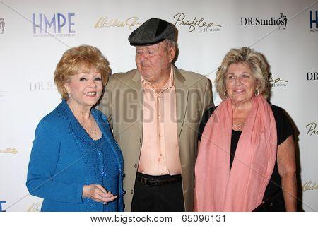 LOS ANGELES - MAY 14:  Debbie Reynolds, Dick Van Patten, Pat Van Patten at the