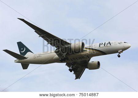 Pakistan International Airlines Boeing 777in New York sky before landing at JFK Airport