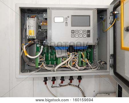 Industrial Controller. Switching boreholes. Accounting for oil.