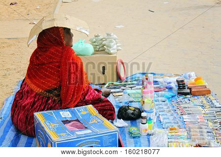 Woman selling goods on the market in Tripoli Libia - 25. march 2010